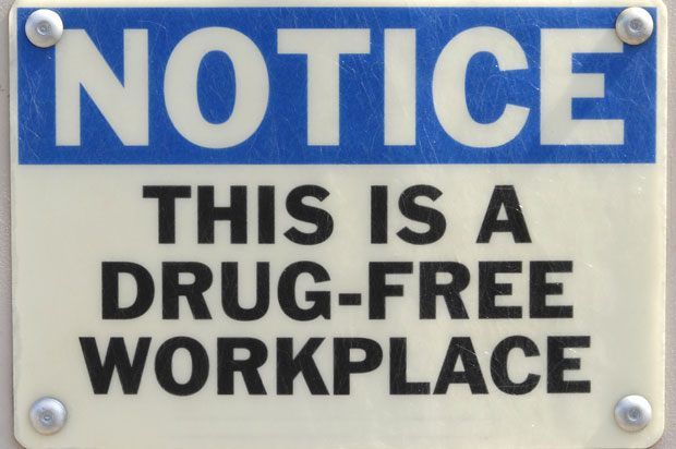 Sign saying 'This is a drug-free workplace'