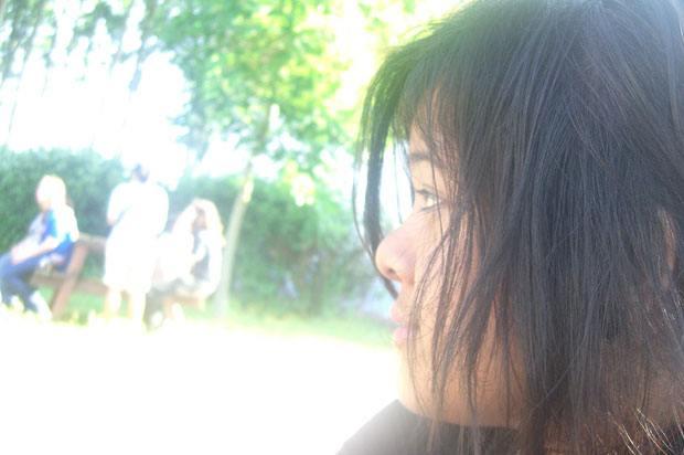 Girl looking confused.