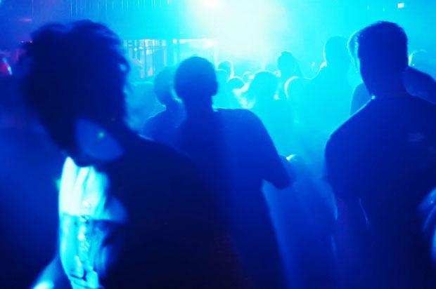 boy clubbing
