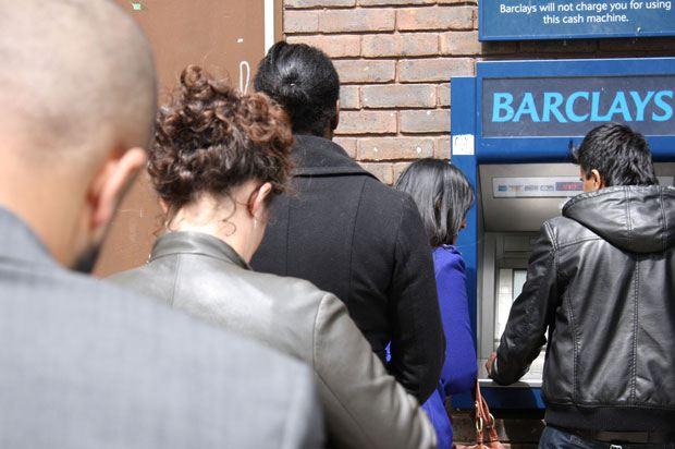 queue for cash