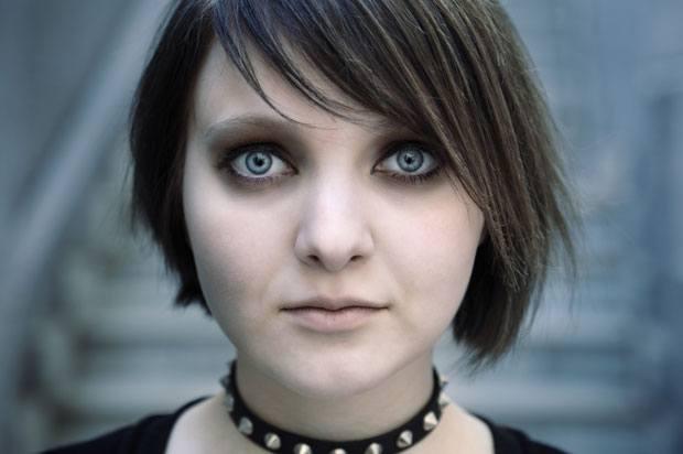 girl with eyeliner